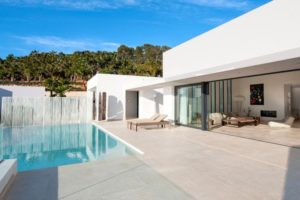 Exclusive modern villa in Vista Alegre