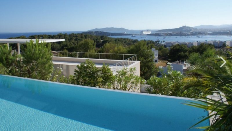 Villa located in Cap Martinet for sale