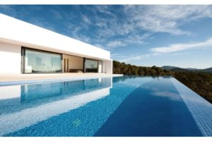 Moderne High-End Villa in Ibizas Traumlage