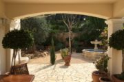 Beautiful house with large property near beach (5)