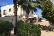 Beautiful house with large property near beach (7)