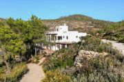 Villa first sea line in Benirras with access to the sea (12)