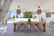 Large modern Villa in Cap Martinet for sale (6)