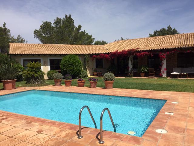 Luxury Villa between Ibiza and Santa Eulalia with amazing views
