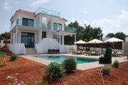 high-quality-built-property-near-the-beaches-of-cala-bassa-and-cala-conta (6)