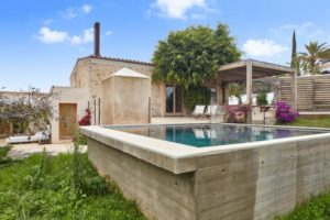 Authentic finca close to Ibiza