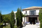 For sale a beautiful villa in Cala Jondal in Ibiza (7)