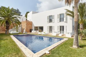 Villa in Cap Martinet with nice sea views for sale