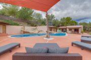 amazing-renovated-villa-close-to-santa-gertrudis (23)