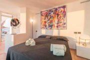 designervilla-in-the-first-line-of-the-sea-in-cala-moli (53)