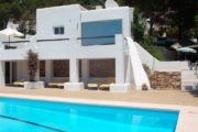 house-for-sale-in-the-town-cala-llonga (1)