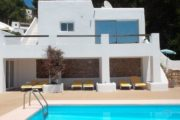 house-for-sale-in-the-town-cala-llonga (2)