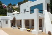 house-for-sale-in-the-town-cala-llonga (3)