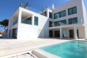 luxury-apartment-with-4-bedrooms-for-sale-in-talamanca (1)