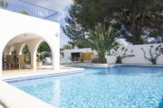 nice-villa-in-a-fantastic-location-in-can-tomas-close-to-the-local-facilities (2)