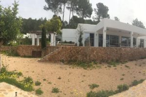 Beautiful modern style property located in Benimussa
