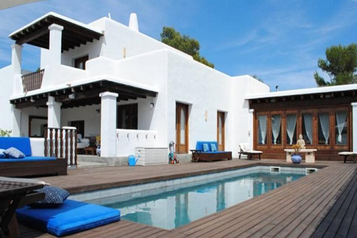 Charming finca in modern style in Cala Tarida