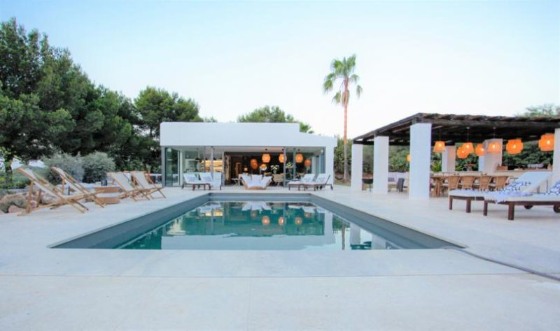 Completely refurbished villa is situated in San Jose