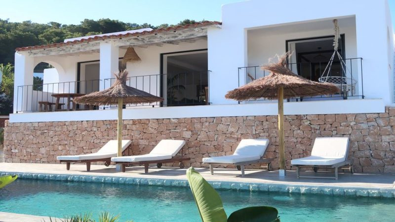 Beautifully villa for sale in Cala Llonga with sea views