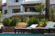 villa-in-santa-eulalia-only-10-mins-walk-to-beach (2)