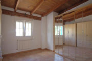 renovated-house-for-sale-in-san-lorenzo (20)