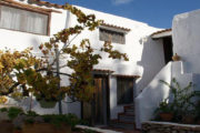 unique-opportunity-to-acquire-a-traditional-ibizan-house (5)