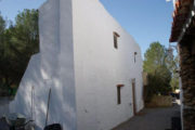 unique-opportunity-to-acquire-a-traditional-ibizan-house (6)