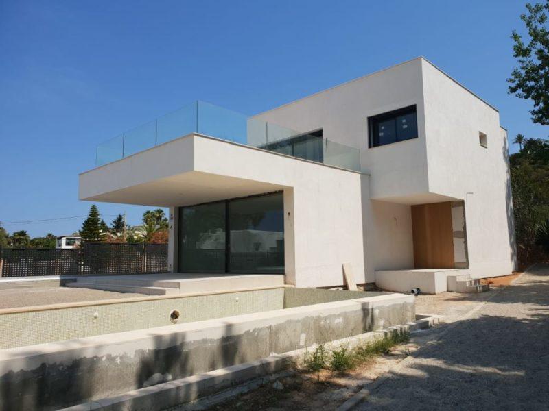 Beautiful modern-style villa of 420 m² located in Talamanca