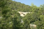 two-houses-in-cala-llonga-walking-distance-to-the-beach (0)