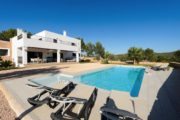 new-build-villa-in-santa-gertrudis-with-large-land-in-the-middle-of-nature (6)