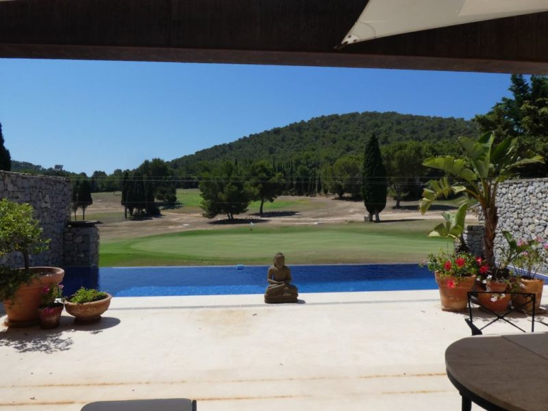terraced-house-on-the-golf-course-of-roca-llisa (5)
