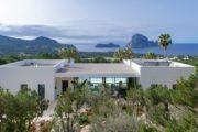 a-stunning-villa-unique-in-ibiza-cala-carbo (1)