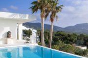 a-stunning-villa-unique-in-ibiza-cala-carbo (19)