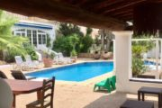 charming-villa-of-293-m2-located-in-a-residential-area-between-san-rafael (1)