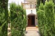 charming-villa-of-293-m2-located-in-a-residential-area-between-san-rafael (3)