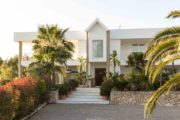 luxurious-stylish-villa-located-between-san-rafael-and-santa-gertrudis (1)