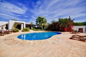 Newly renovated Finca Ibicenca in Cala de Boix 5 minutes to the beach