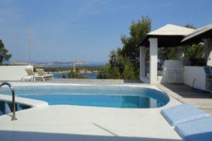 Beautiful villa for sale with amazing sea view in Cala Bassa