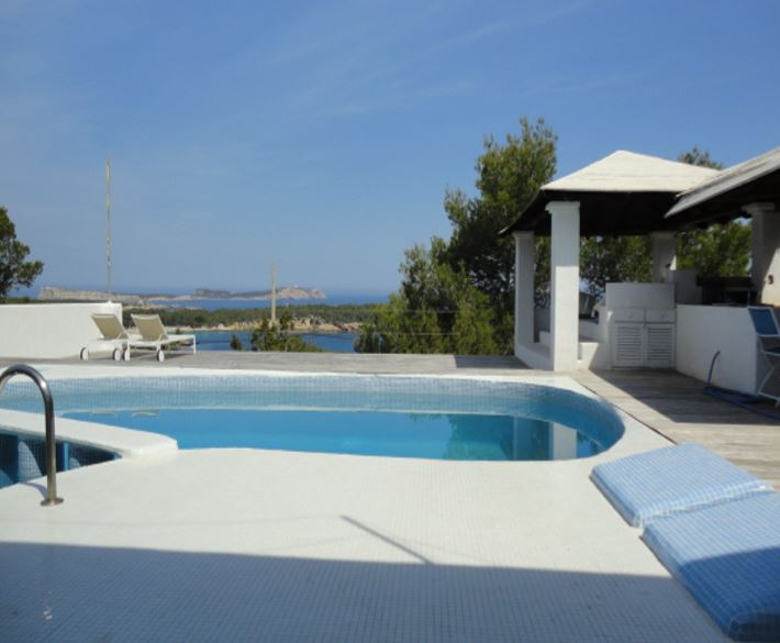 Beautiful villa for sale with amazing sea view in Cala Bassa