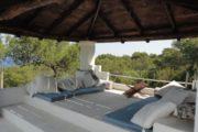 beautiful-villa-for-sale-with-amazing-sea-view-in-cala-bassa (13)