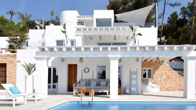Nice Villa in a private area in the hill of Es Cubells