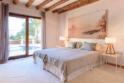 rustic-styled-house-with-a-fabulous-location-in-cala-bassa (11)